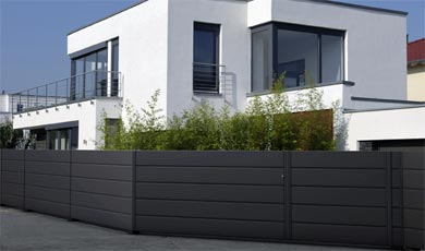 comunica ploty guardi. Black Bedroom Furniture Sets. Home Design Ideas